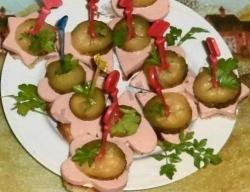 Бутерброды канапе с колбасой рецепт с фото