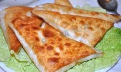 Кулинарный рецепт Быстрые пирожки с сыром и ветчиной с фото