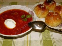 Как приготовить украинский борщ с пампушками