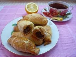 Слоеное тесто со сгущенкой рецепт с фото