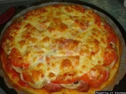 Пицца с луком, грибами и колбасой рецепт