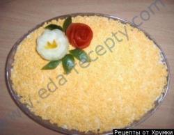 Рецепт Салат из свиного языка с кедровыми орешками с фото