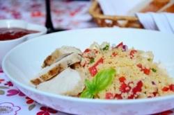 Рецепт Салат из кускуса моцареллы и помидор черри с фото