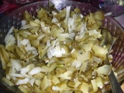 Рецепт Простой салат с солеными огурцами Пятиминутка с фото