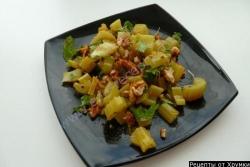 Рецепт Салат Новинки с сельдереем и грецкими орехами с фото