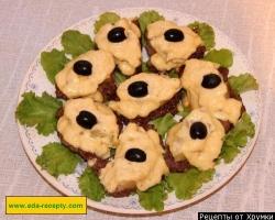 Телятина в духовке с ананасами