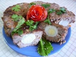 Кулинарный рецепт Мясное пасхальное кольцо с яйцами с фото