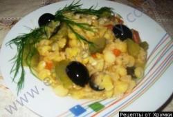 Рецепт Гороховая каша с огурцами и морковью с фото