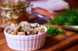 Кулинарный рецепт Маринованные шампиньоны с овощами с фото