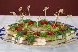 Кулинарный рецепт Слоеные канапе с фото