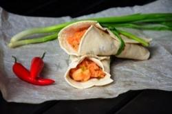 Кулинарный рецепт Буррито с курицей и рисом с фото