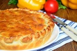 Французский пирог с картофелем ветчиной и грибами