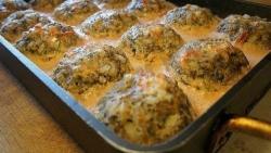 Рецепт Тефтели с грибами запеченные в духовке в томатно-сметанном соусе с фото
