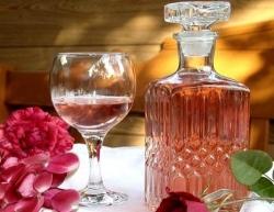 Как приготовить Домашнее вино из роз рецепт с фото