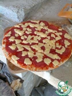 Легкая пицца в печи на дровах