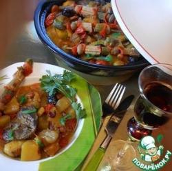 Индюшачьи сердечки с фасолью и осенними овощами (свежими и маринованными) в тажине