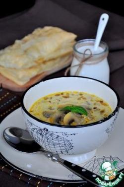 Грибной суп и пирожки с мясом
