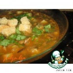 Густой томатный суп с чечевицей и кабачками