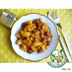 Рагу с нутом и охотничьими колбасками в томатном соусе