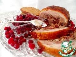 Рулька свиная фаршированная клюквенно-луковым джемом с имбирем