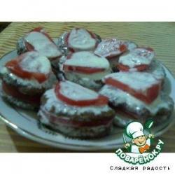 Печeночные оладьи с помидорами