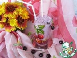 Коктейль молочно-вишневый