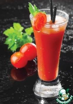 """Сок из томатов """"черри"""" со шпинатной пенкой"""