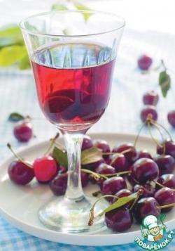 Напиток из свежезамороженной вишни