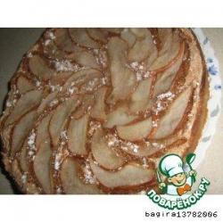 Пирог с  миндальным безе и грушами