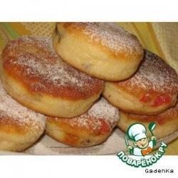 Пончики кунжутные с вишней и изюмом