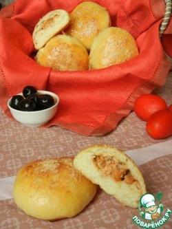 Итальянские булочки с томатами, маскарпоне и маслинами