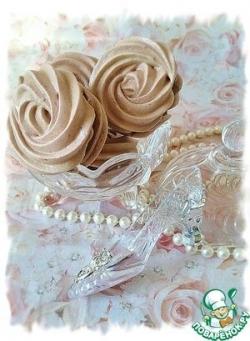 Малиновые меренги с шоколадно-малиновой прослойкой
