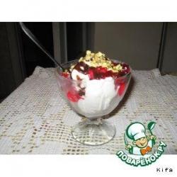 Мороженое с  желе и фисташками