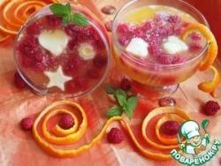 Апельсиновый десерт с мороженым и малиной