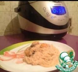 Мидии в сливочно-томатном соусе с рисовой лапшой