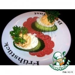 Фаршированные яйца на завтрак