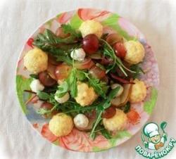 Салат с тёплыми куриными фрикадельками