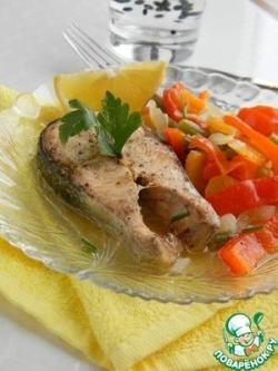 Красная рыба на овощной подушке