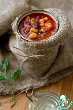 Суп из смеси бобовых с беконом и томатом