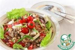 Салат с баклажанами и овощами, приготовленными в мультиварке