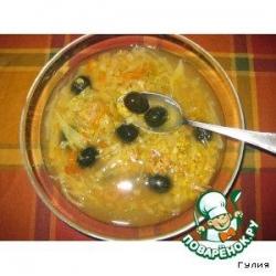 Нетрадиционные  кислые щи с чечевицей и оливками