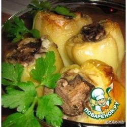 Зеленый перец фаршированный картофелем
