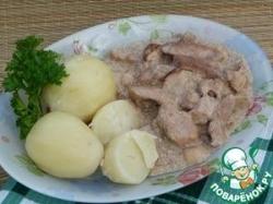 Свинина с грибами в сливках + картофель на пару