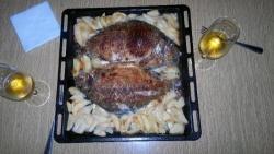 Карась запеченный с картошкой в духовке с майонезом