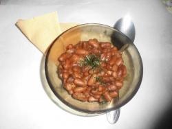 Фасоль тушеная с томатной пастой