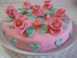 Розовая мечта торт бисквитный с мастикой