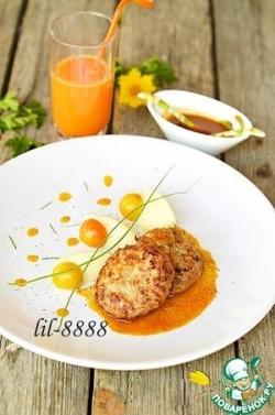 Котлеты с соусом из морковного сока