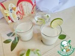 Кефирный коктейль с зеленым чаем и лаймом