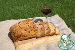 Хлеб с вялеными помидорами и пряными травами
