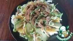 Салат с морепродуктами, авокадо и манго